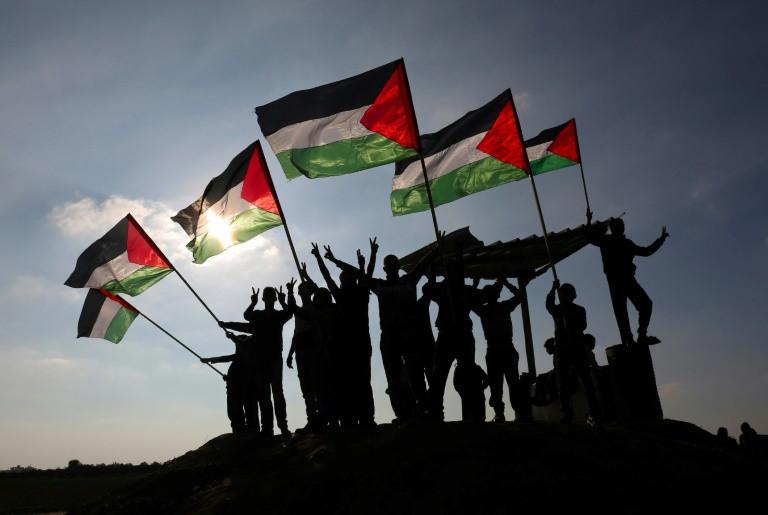 تعتمد السلطة الفلسطينية بشدة على المساعدات الدولية التي يؤكد المحللون وحتى الاسرائيليون منهم انها تساعد في الحفاظ على الاستقرار في المنطقة.