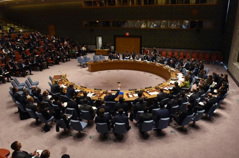 السفير الروسي لدى الامم المتحدة فاسيلي نبنزيا يستخدم حق الفيتو