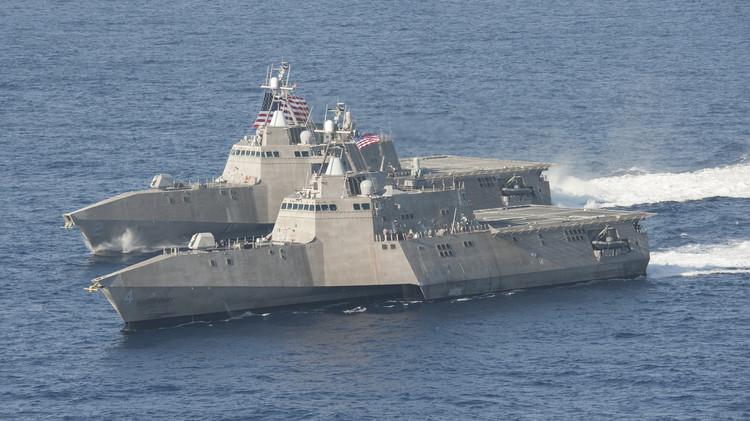 سفينة حربية أمريكية
