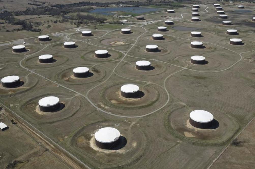 مستودعات لتخزين النفط في كاشينج بولاية أوكلاهوما الأمريكية