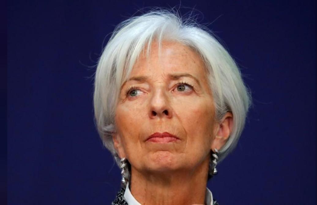 كريستين لاجارد مديرة صندوق النقد الدولي في مؤتمر في باريس