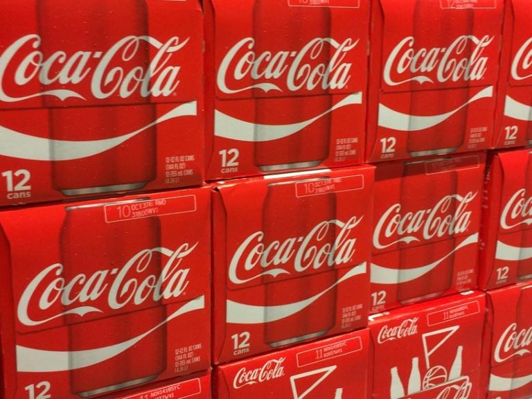 كوكاكولا تسجل خسائر في الفصل الرابع على خلفية الاقتطاعات الضريبية الاميركية
