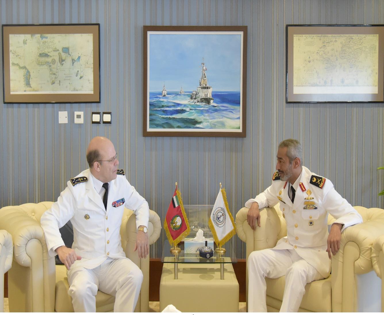 قائد القوات البحرية يستقبل نظيره الفرنسي.