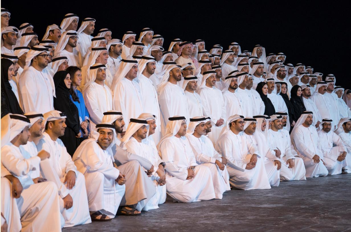 محمد بن زايد يستقبل سفراء الإمارات