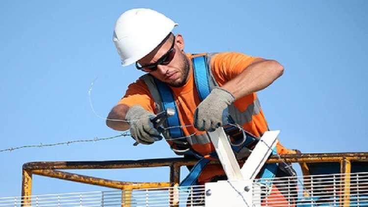 فرنسا تعاني من نقص قوة العمل الماهرة