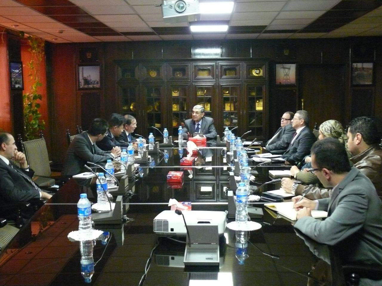 وزير الكهرباء المصري مع سفير الصين بالقاهرة