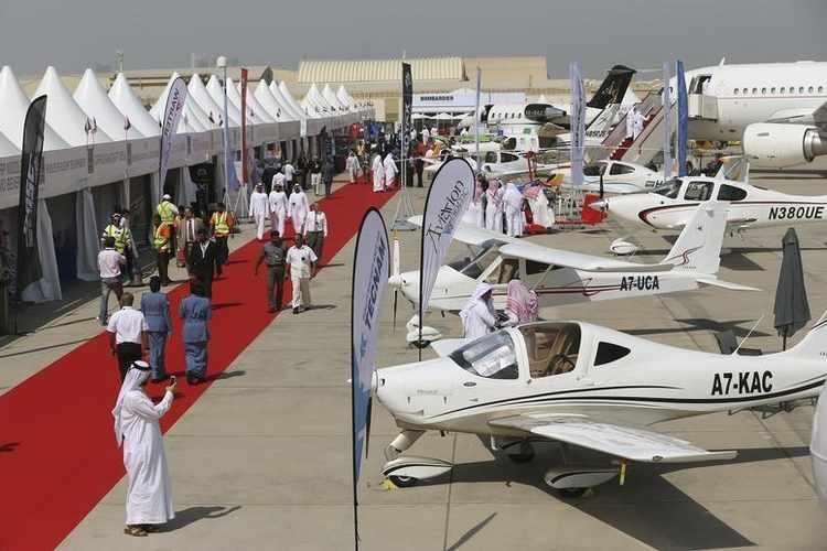 معرض أبوظبي للطيران