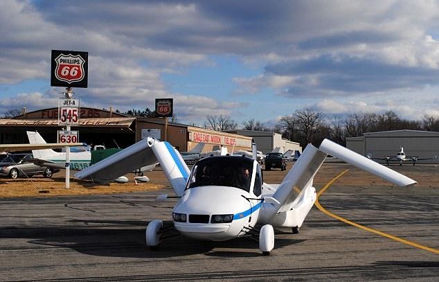 اول سيارة طائرة في العالم