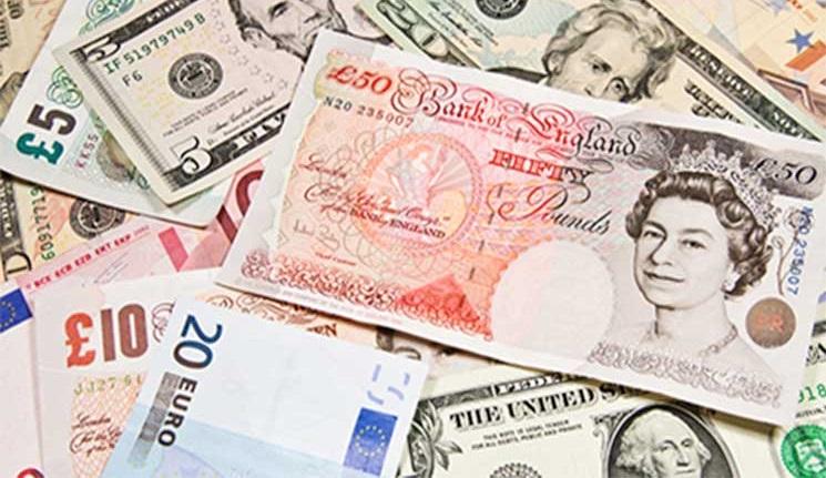 الإسترليني يرتفع أمام الدولار ويستقر مقابل اليورو