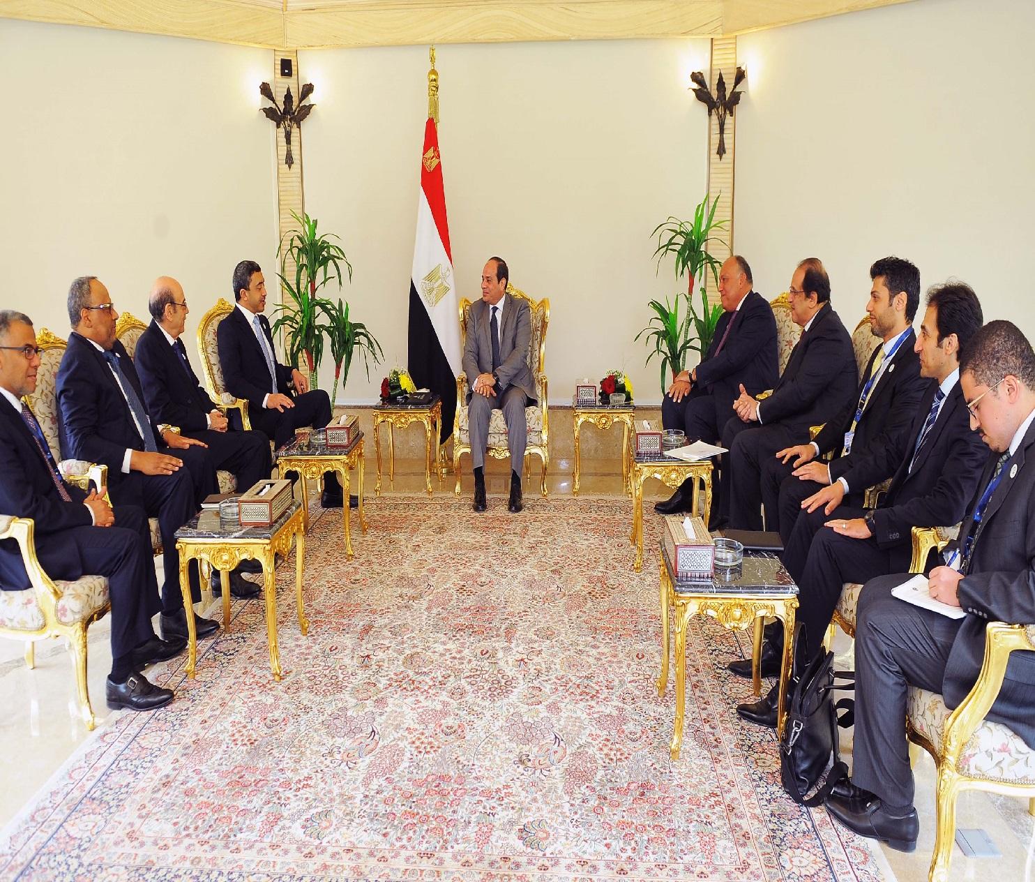لقاء وزير الخارجية الإمارتى بالمسئولين بمصر
