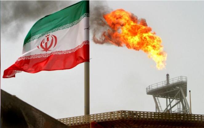 جانب من منصة إنتاج نفط إيرانية