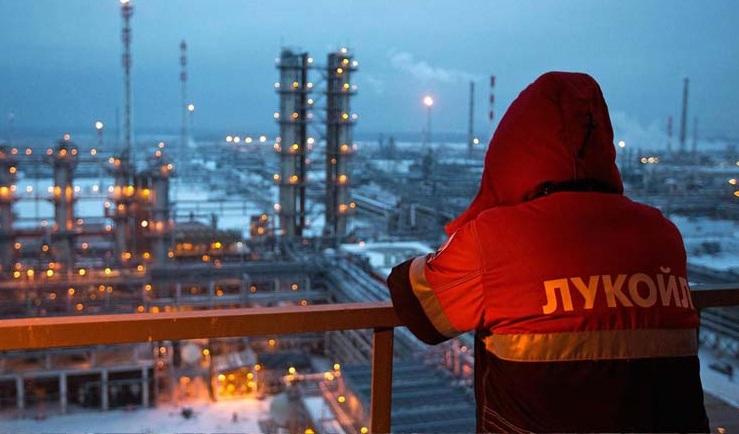 إنتاج روسيا النفطي يسجل أعلى مستوى في 11 شهرًا خلال مارس