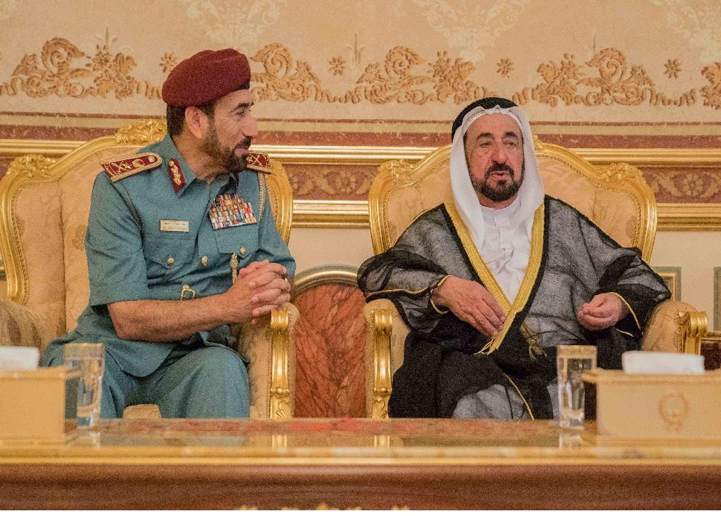 سلطان القاسمي وسعود المعلا يتقبلان التعازي في وفاة الشيخ أحمد القاسمي