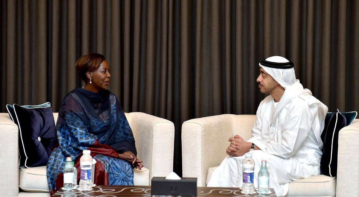 عبدالله بن زايد يستقبل وزيرة خارجية رواندا
