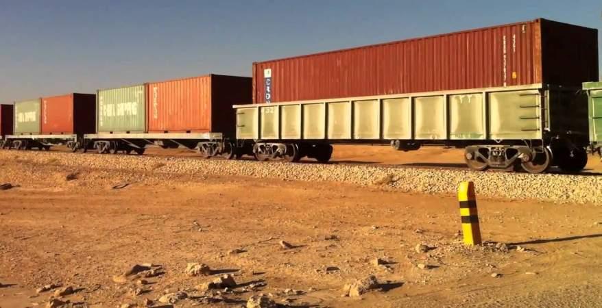 قطار لنقل البضائع