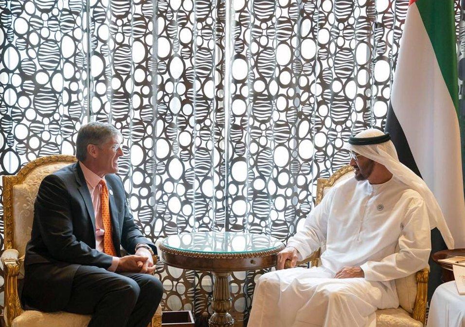 محمد بن زايد يستقبل الرئيس التنفيذي لمجموعة سيتي بنك المصرفية