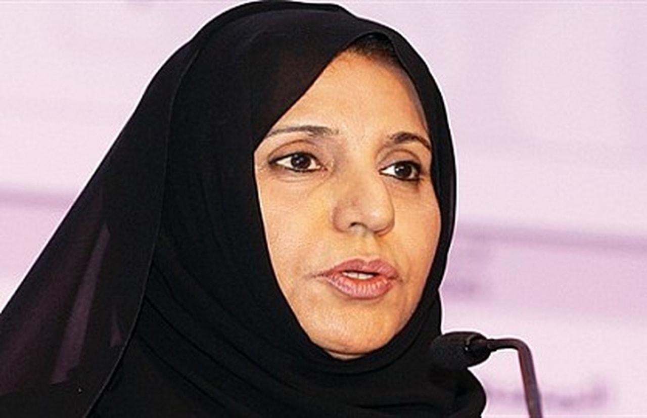 الشيخة فاطمة بنت مبارك رئيسة الاتحاد النسائي