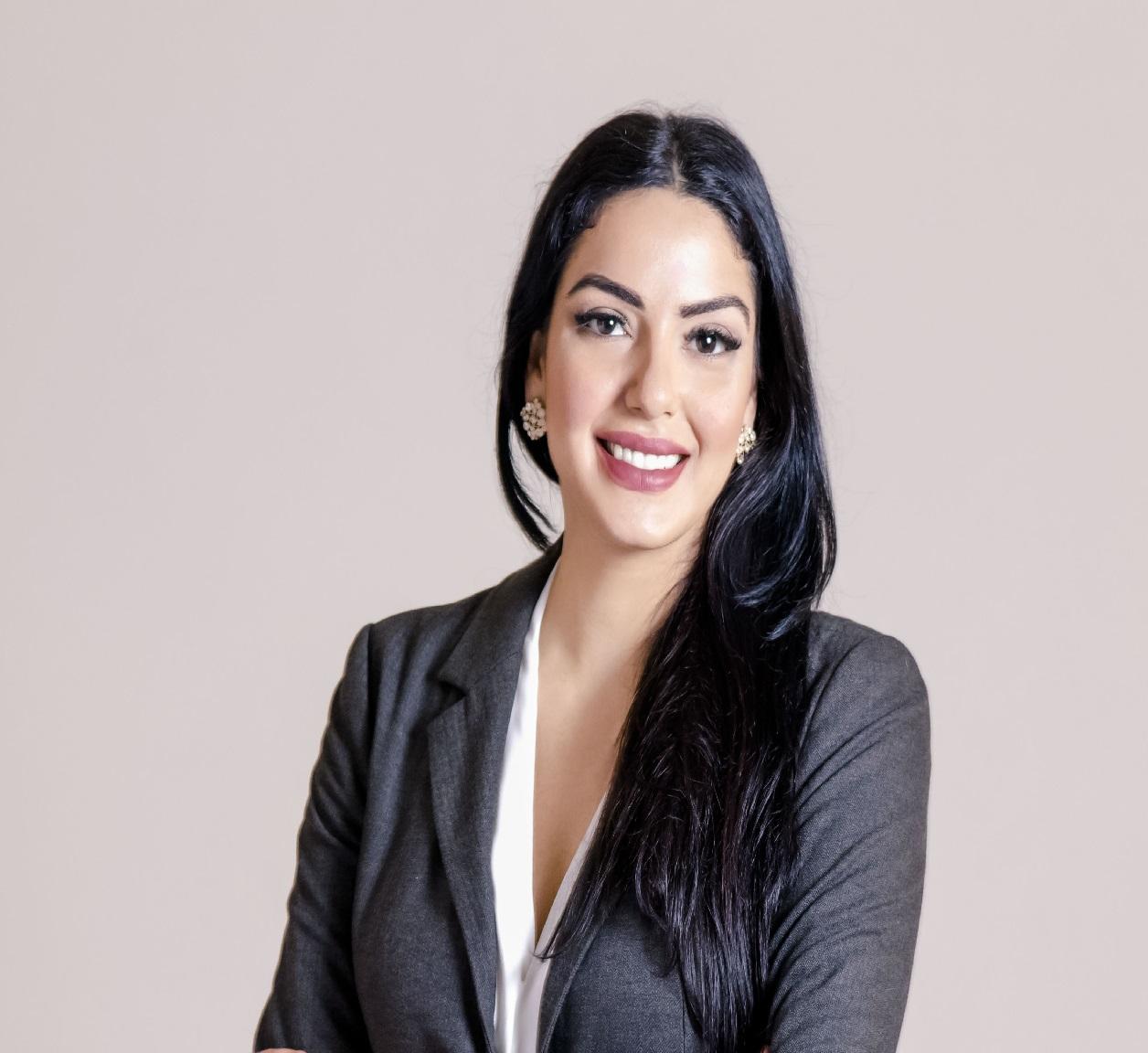 سناء عزام، المدير العام لمؤسسة