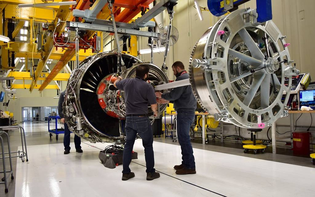 النشاط الصناعي الأمريكي يواصل التراجع في أبريل
