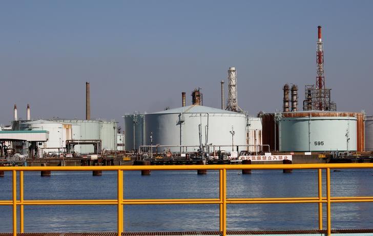 تراجع واردات النفط اليابانية 8.8% في أبريل