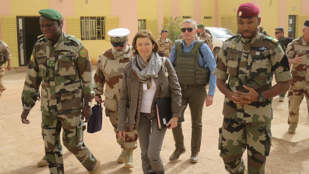 وزيرة الجيوش الفرنسية فلورانس بارلى
