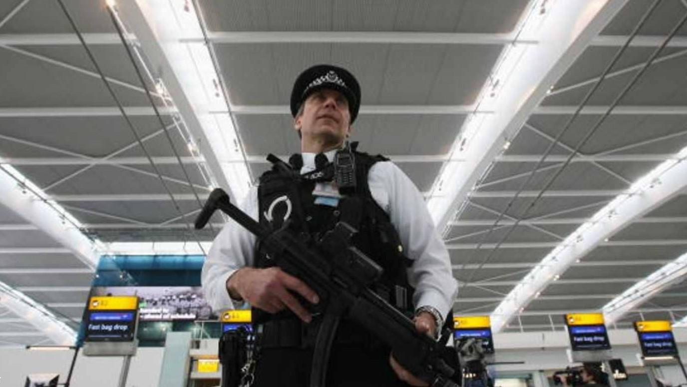 إغلاق مطار هيثرو بعد العثور على طرد مشبوه