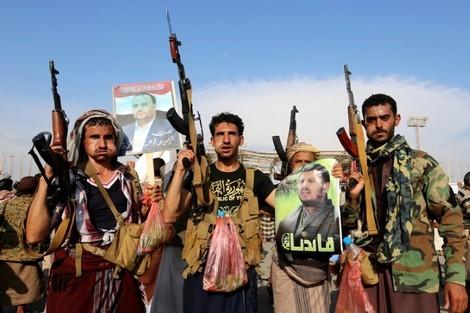 عناصر من ميليشيات الحوثي الموالية لإيران