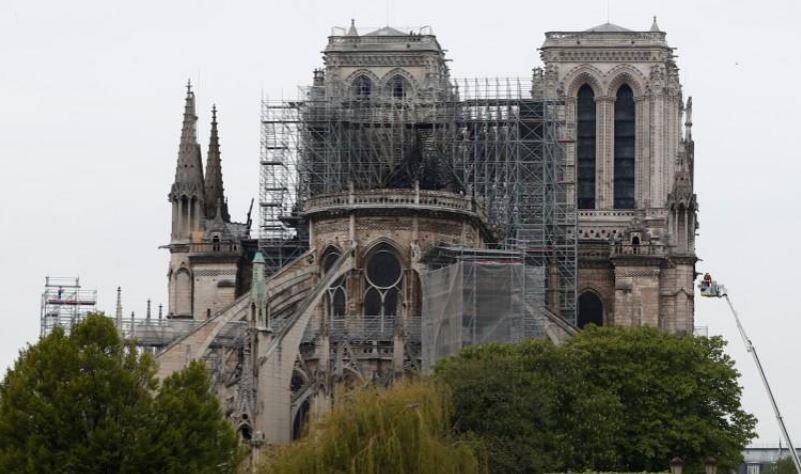 كاتدرائية نوتردام الفرنسية