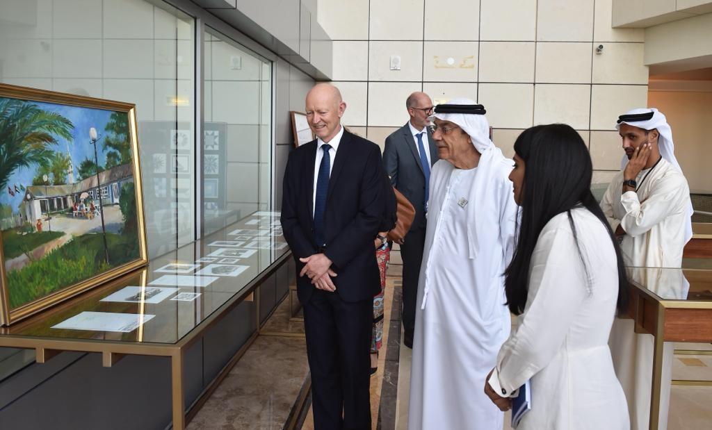 زكي نسيبة يفتتح معرض العلاقات الإماراتية النرويجية