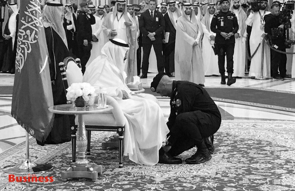 اللواء عبدالعزيز الفغم مع الملك سلمان