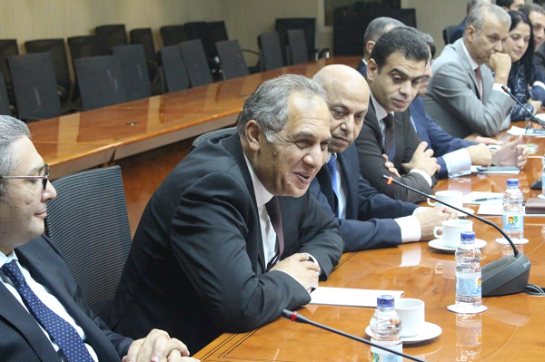 اجتماع الوزير مع قيادات الضرائب
