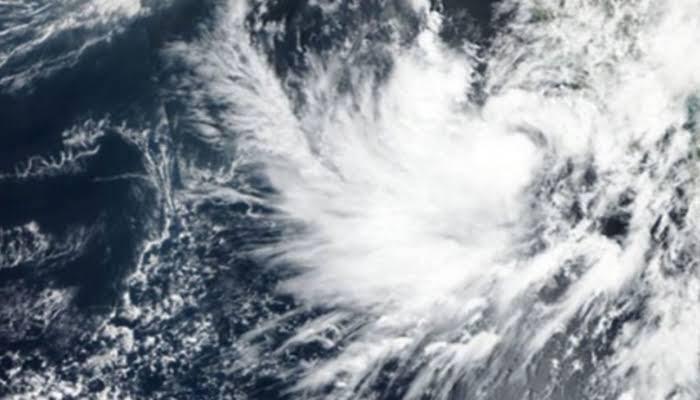 الإعصار مها