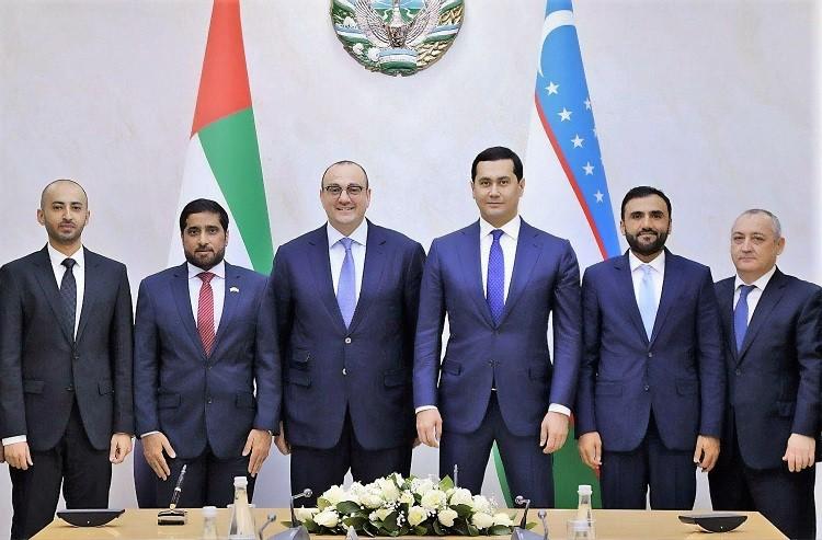 توقيع اتفاقية بين مصدر وحكومة اوزبكستان