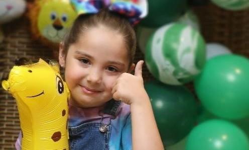 احتفال الاطفال بحديقة الإمارات للحيوانات