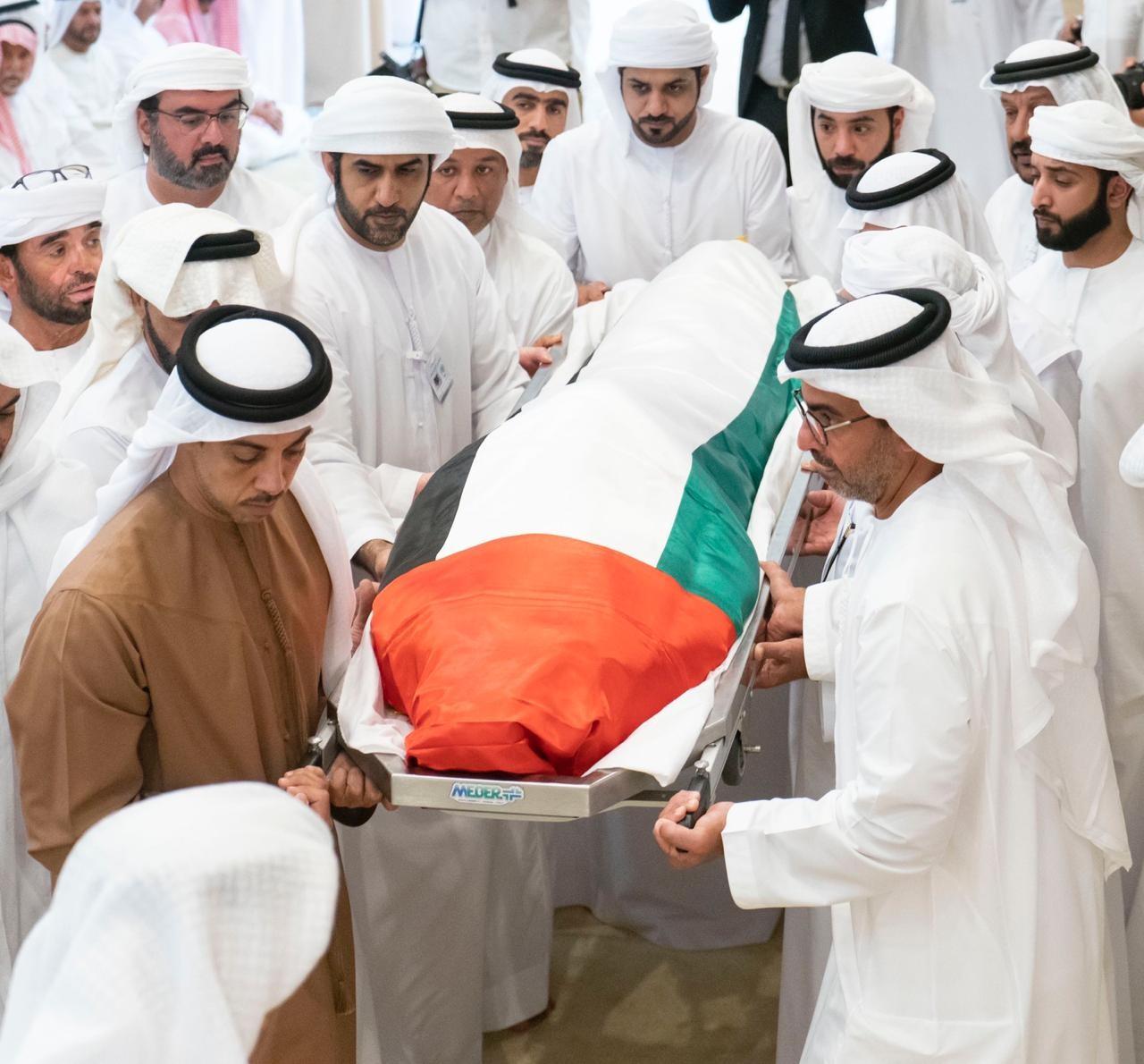 صلاة الجنازة على جثمان سلطان بن زايد آل نهيان
