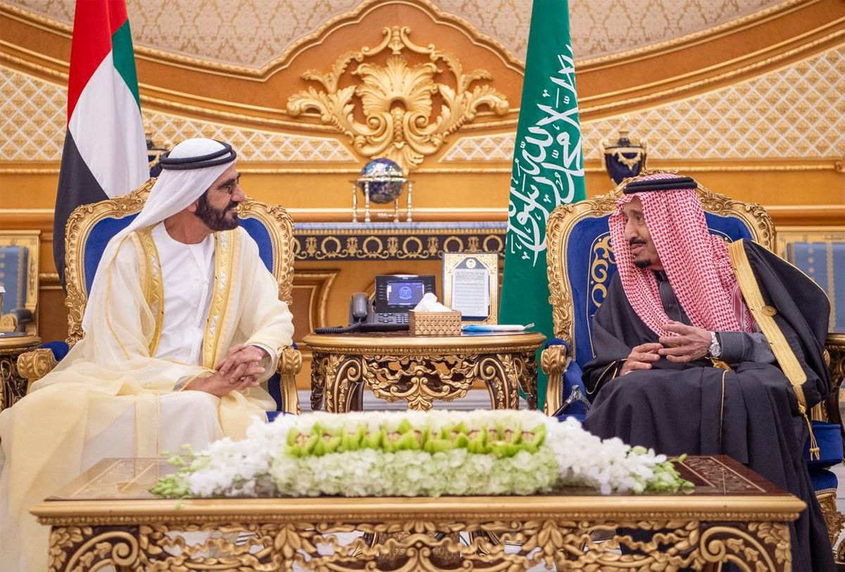 جلس بين خادم الحرمين والشيخ محمد بن راشد