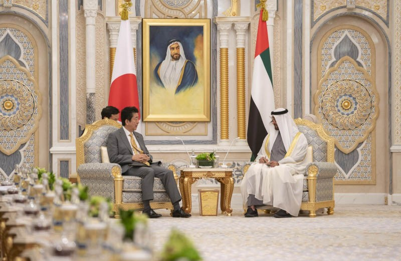 ولي عهد أبوظبي ورئيس الوزراء الياباني
