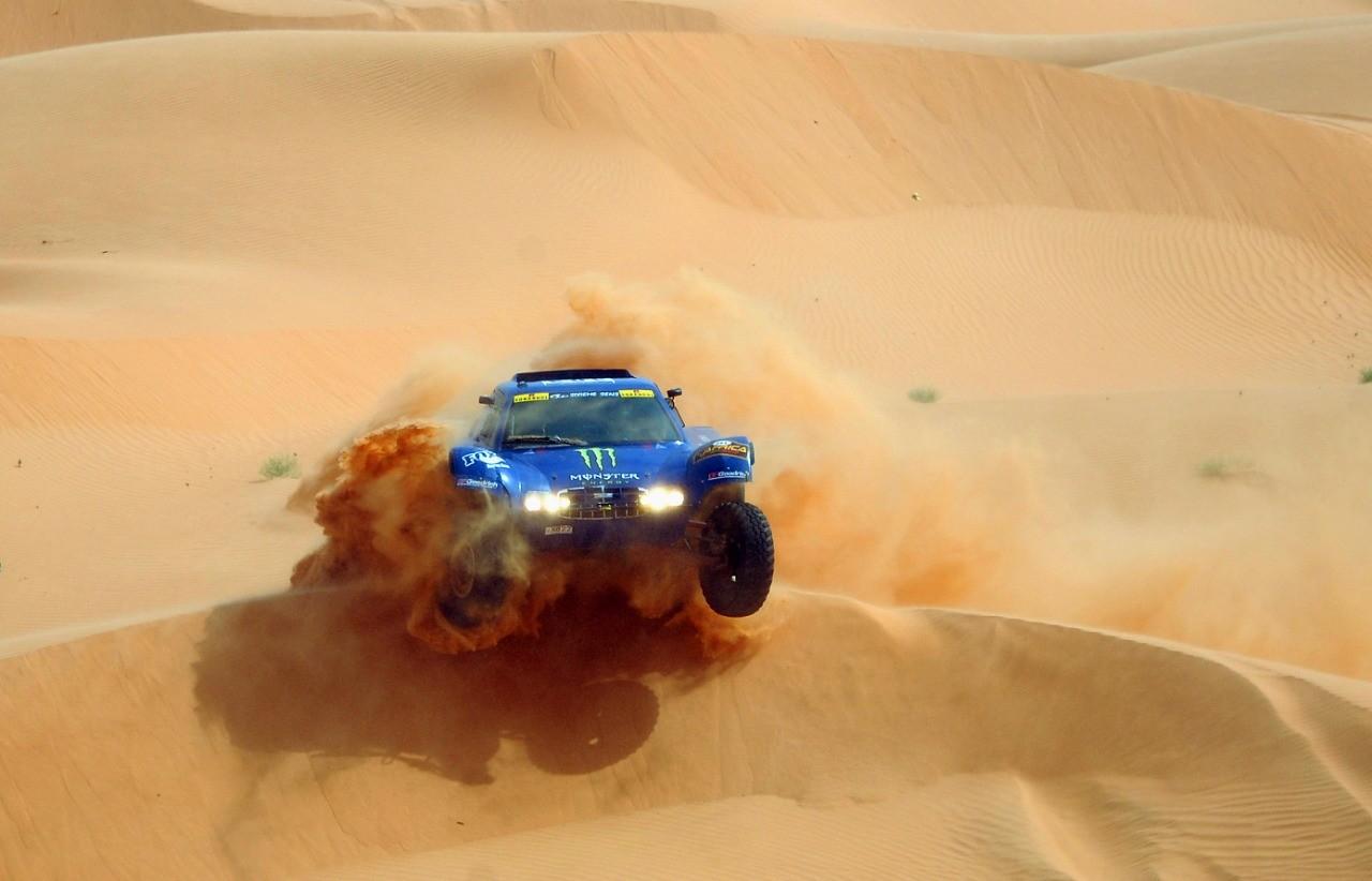 سيارة سباق