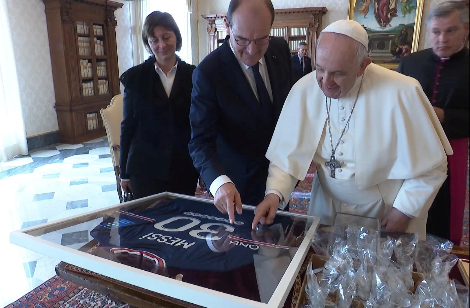البابا فرنسيس ورئيس وزراء فرنسا
