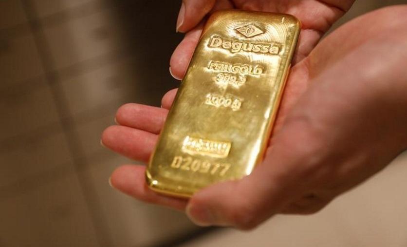 سبيكة من الذهب في سنغافورة- صورة من رويترز