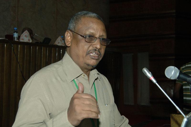 الدكتور عبد اللطيف عجيمي