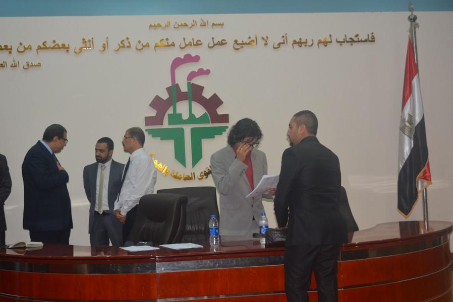 وزير القوى العاملة المصري خلال تفقده الاختبارات