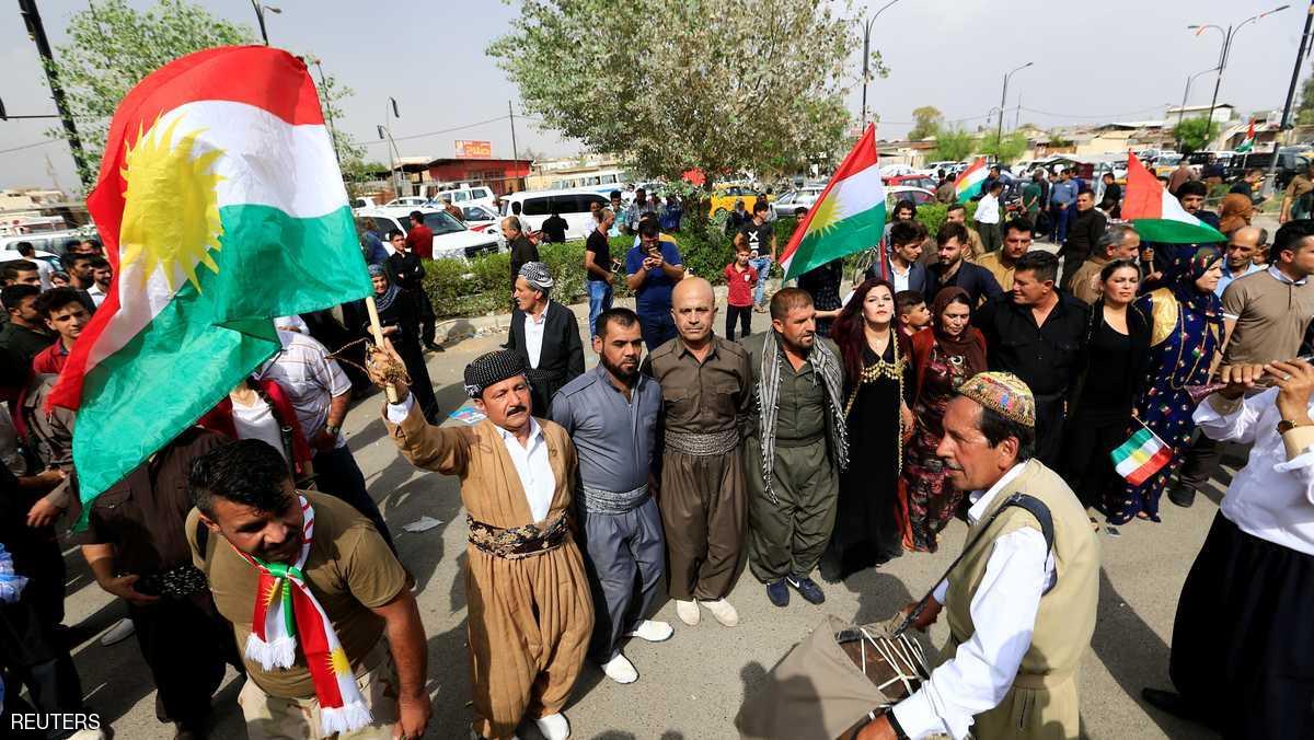 أكراد يحتفلون باستفتاء الاستقلال في كركوك- رويترز