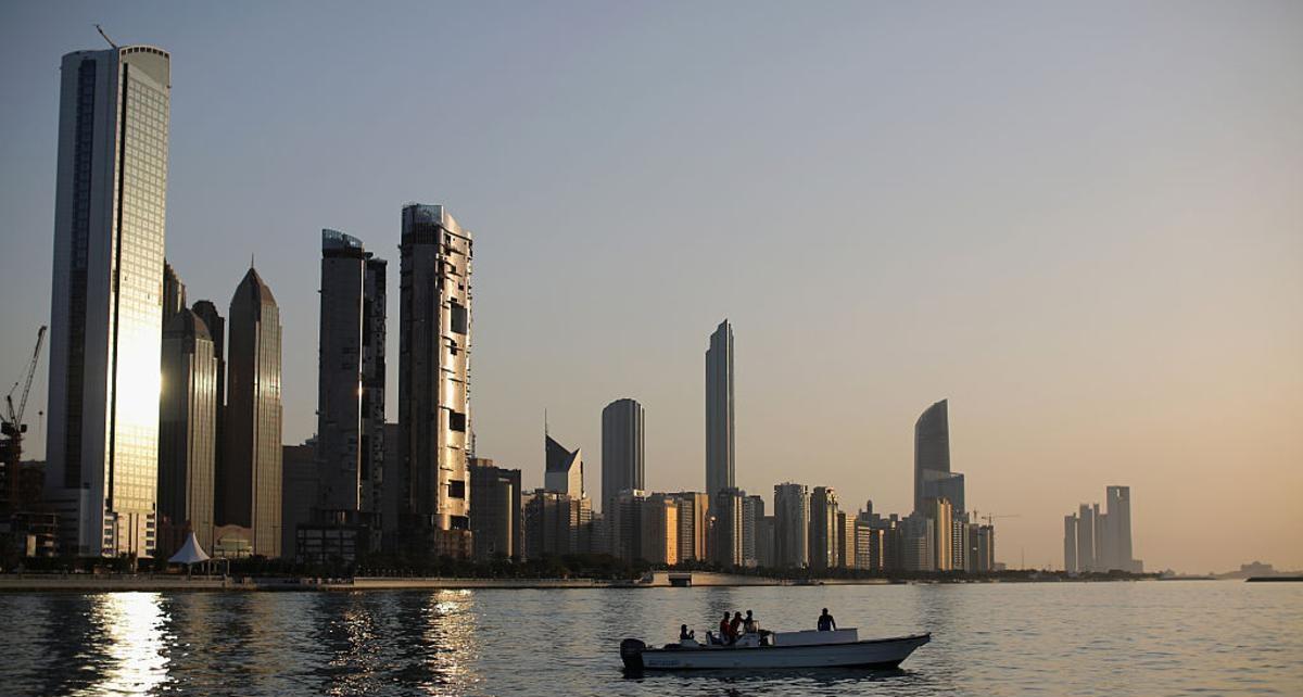 الإمارات الأولى عربيا