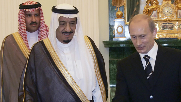 بوتين خلال استقبال العاهل السعودى