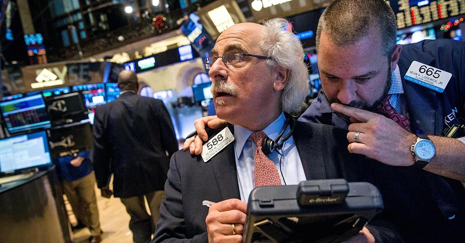 مؤشرات الأسهم الرئيسية في بورصة وول ستريت الأمريكية