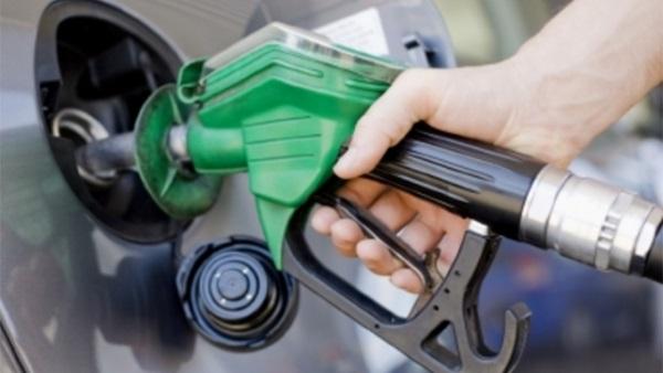 أسعار البنزين فى أمريكا تسجل أكبر زيادة لها فى أكثر من عامين