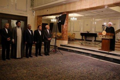 الرئيس الإيراني حسن روحاني يتحدث في كلمة بثها التلفزيون على الهواء مباشرة في طهران