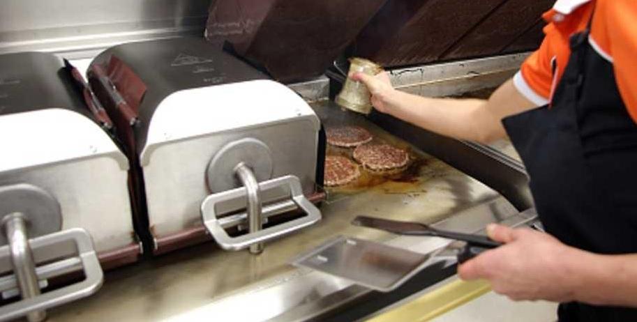 تنظيف مكثف مستمر للمطابخ