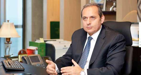 هشام عكاشة، رئيس البنك الأهلي المصري